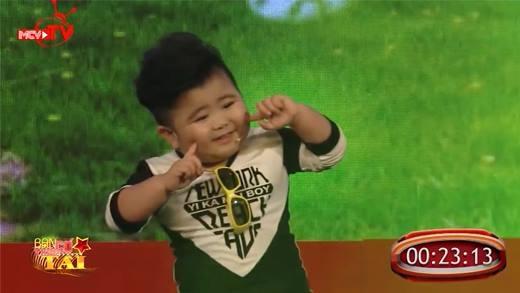 """Phát hiện """"thần đồng âm nhạc"""" Việt Nam chỉ mới bốn tuổi"""