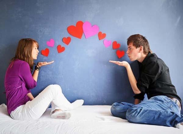 Chỉ những người đang yêu mới dễ dàng nảy sinh cảm xúc ghen tuông với một nửa của mình. (Ảnh minh họa)