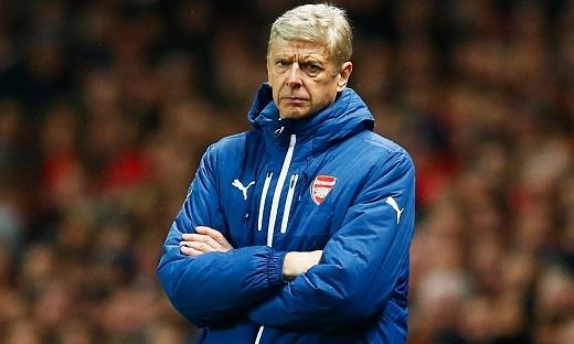 HLV Wenger đang cảm thấy vô cùng lo lắng trước 3 trận đấu của mùa giải năm nay.