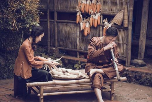Cặp đôiChí Phèo-Thị Nởthời hiện đại này là anh chàngMinh Dương(sinh năm 1992) và cô nàngThanh Thảo(sinh năm 1996, cùng ở Hải Phòng).(Ảnh: Long Phạm)