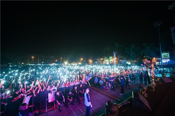 Sau đêm nhạc tại Hải Phòng, chương trình sẽ lần lượt diễn ra tại Dak Lak, Nghệ An, Quảng Ninh và Hà Nội. - Tin sao Viet - Tin tuc sao Viet - Scandal sao Viet - Tin tuc cua Sao - Tin cua Sao