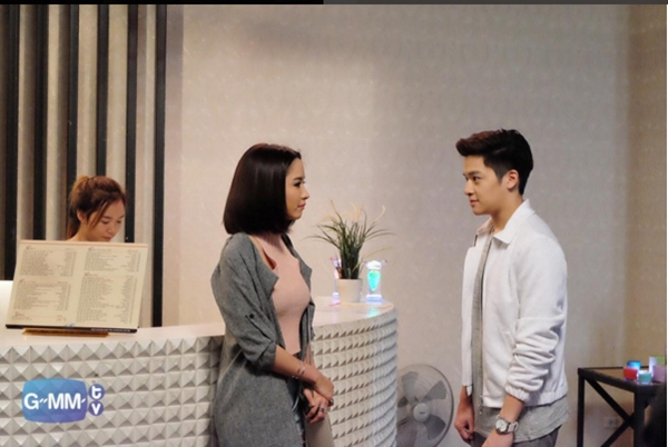 """Chàng Nat mù quáng trong """"Tình Yêu Không Có Lỗi"""" lại dính líu tình cảm với nữ sinh trung học"""