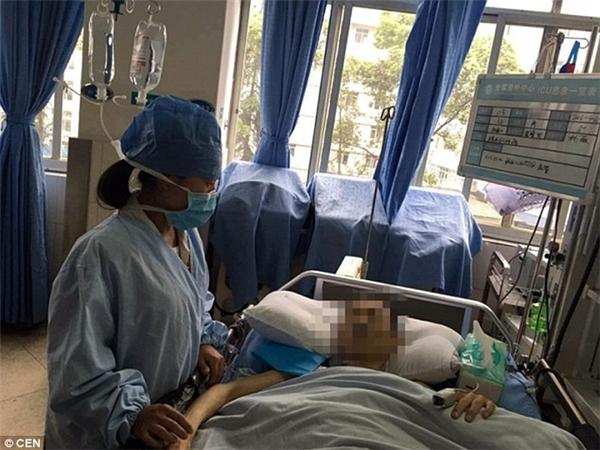 Sau ca mổ sinh tử, bệnh nhân đã được đưa vào khu săn sóc đặc biệt để theo dõi thêm. (Ảnh: Internet)