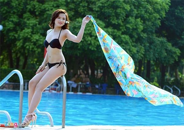 Thời tiết chiều 24/4 Hà Nội nắng vàng óng, khô ráo, rất thuận lợi cho các tay máy sáng tác.