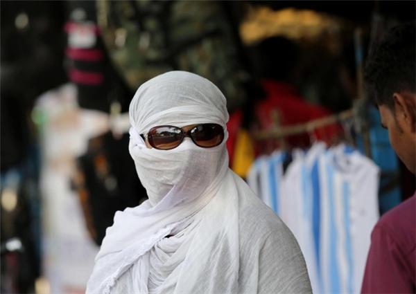 Người dân tại các quốc gia châu Á đang vật vã đối phó với nắng nóng khắc nghiệt.