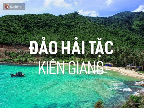 Ngay từ tên gọi, hòn đảo này đã ẩn chứa nhiều điều lạ lùng. Nằm cách trung tâm TP.Hồ Chí Minh khoảng 350km, tuy không được nổi tiếng như Phú Quốc, Nam Du... nhưng quần đảo Hải Tặc lại mang một sức cuốn hút khó cưỡng bởi vẻ đẹp hoang sơ của mình. Quần đảo có tổng cộng 16 hòn đảo nhỏ, tha hồ cho bạn lựa chọn. Nên nhớ, thời điểm đẹp nhất để du lịch đảo Hải Tặc là từ tháng 12 đến tháng 4 hằng năm nhé.