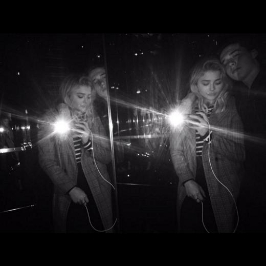 Brooklyn và Chloe chụp ảnh thân mật.Ảnh: Instagram.