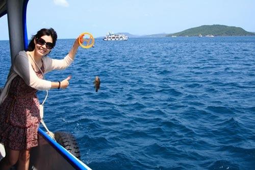 Những trải nghiệm vô cùng tuyệt vời trên đảo. Ảnh: Internet