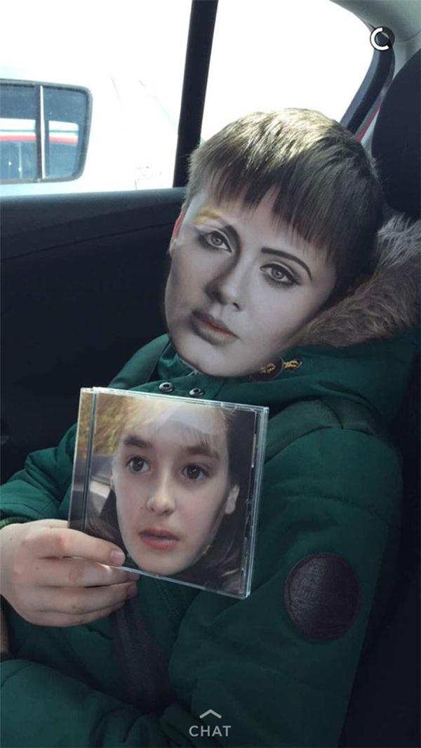 3. Thay mặt toàn bộ fan hâm mộ khắp vịnh Bắc Bộ, tôi cắn rơm cắn cỏ xin Adele đừng bao giờ cắt tóc.