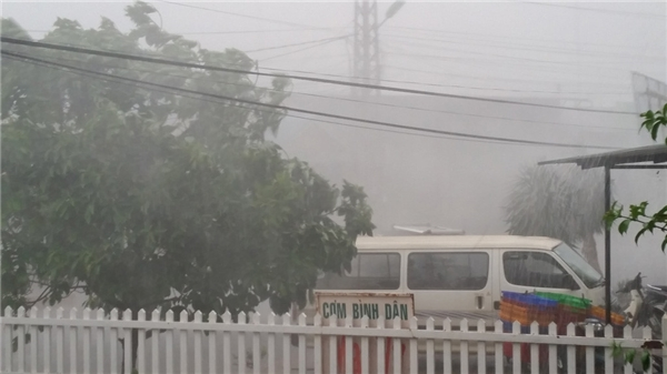Mưa lớn tại Đà Lạt vào chiều ngày 27/4. Ảnh: Internet