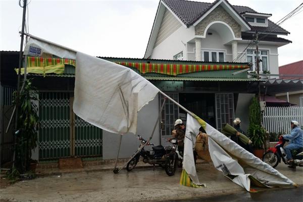Mưa đá gây thiệt hại nặng nề cho người dân Đà Lạt. Ảnh: Internet
