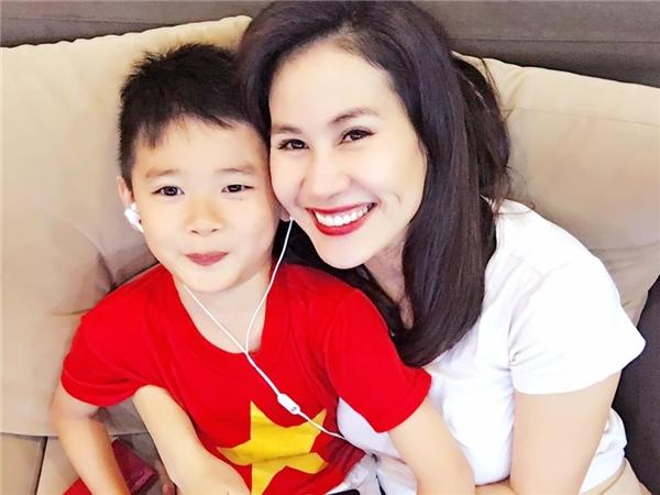 Con trai Thân Thúy Hà thừa hưởng nhiều nét đẹp từ mẹ. - Tin sao Viet - Tin tuc sao Viet - Scandal sao Viet - Tin tuc cua Sao - Tin cua Sao