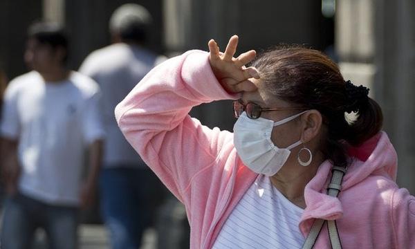 Người dẫn mỗi khi ra ngoài lại phải đối mặt với tình trạng ô nhiễm không khí nặng nề.