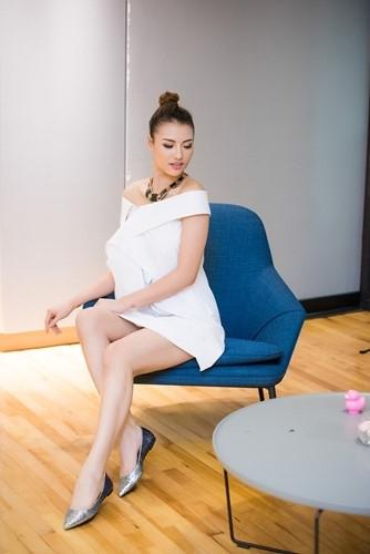 Tuy nhiên, thời điểm đó, tin đồn mĩ nhân 9x đang mang thai ở những tháng đầu tiên cũng đãbắt đầu. Hồng Quế đã chọn giải pháp im lặng cho đến tối qua, khi bất ngờ chia sẻ hình ảnh đứa bé. Theo một nguồn tin thân cậnchobiếtcô đang mang thai ở tháng thứ 4. - Tin sao Viet - Tin tuc sao Viet - Scandal sao Viet - Tin tuc cua Sao - Tin cua Sao