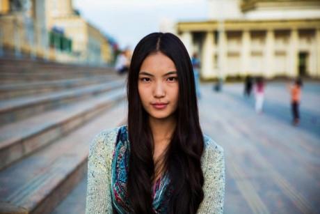 Noroc chụp hình cô gái này ở Ulaanbaatar, Mongolia.