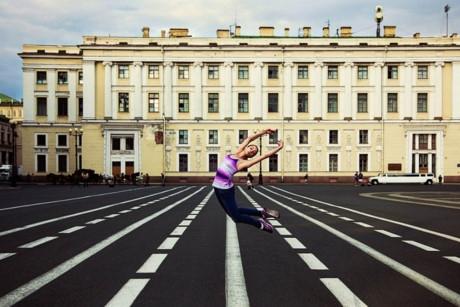 Một vũ công ba lê ở Saint Petersburg, Nga.