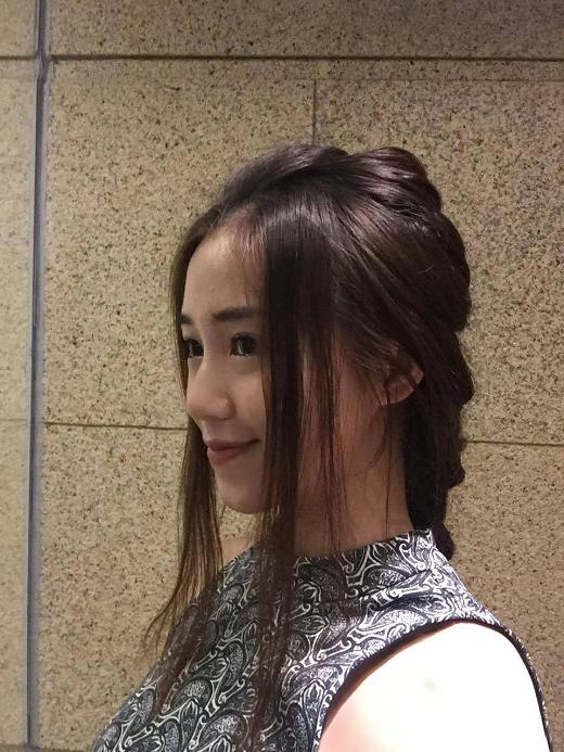 Cận cảnh bím tóc dày và chắc khỏe của Sa Lim. Cô từng tự mình tạo kiểu tóc này khi tham dự tuần lễ thời trang VIFW Xuân/Hè 2016 - Tin sao Viet - Tin tuc sao Viet - Scandal sao Viet - Tin tuc cua Sao - Tin cua Sao