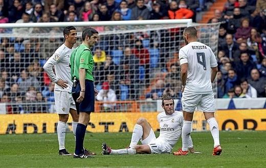 Mùa 2015-16 chứng kiến hàng công Real liên tục bị dạt mỏng vì chấn thương.Ảnh: AFP.