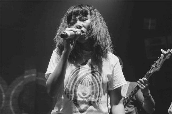 Cô đã trình diễn các ca khúc trích từ album Bản nguyên vừa được phát hành vào đầu năm 2016. - Tin sao Viet - Tin tuc sao Viet - Scandal sao Viet - Tin tuc cua Sao - Tin cua Sao