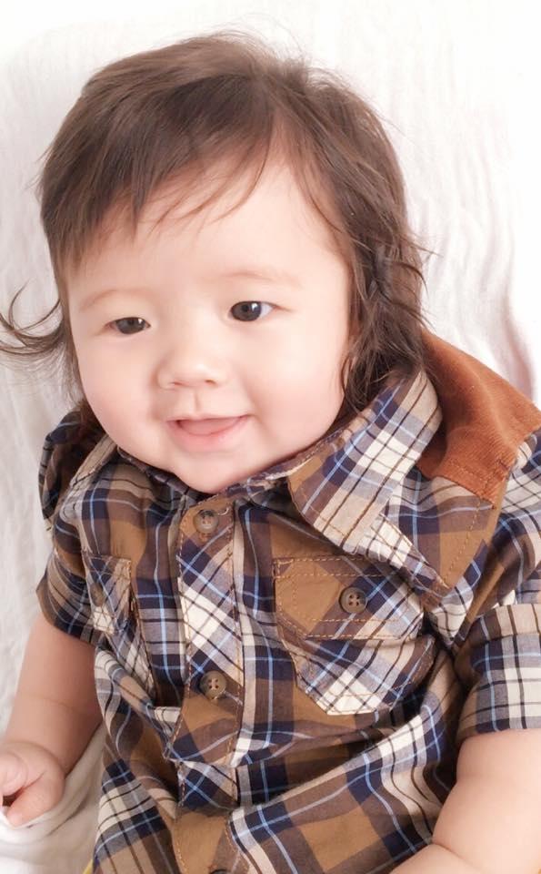 Hình ảnh mới nhất của Alfie Túc Mạch vừa được Elly Trần chia sẻ trên trang cá nhân, khi cậu bé tròn 6 tháng tuổi. - Tin sao Viet - Tin tuc sao Viet - Scandal sao Viet - Tin tuc cua Sao - Tin cua Sao