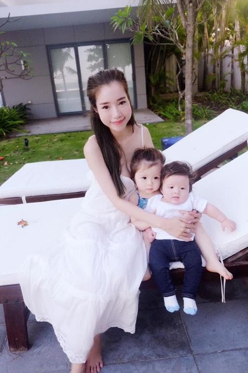 """Elly Trần thường xuyên chia sẻ hình ảnh của hai thiên thần nhí trên trang cá nhân, khiến cộng đồng mạng """"phát hờn"""". - Tin sao Viet - Tin tuc sao Viet - Scandal sao Viet - Tin tuc cua Sao - Tin cua Sao"""