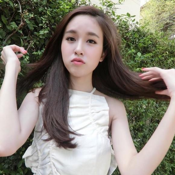Cô cũng từng góp mặt trong một bộ phimvới Trương Gia Huy. (Ảnh: Internet)