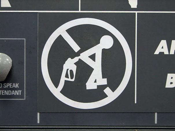 """15. """"Cấm sử dụng vòi xăng sai mục đích!"""""""