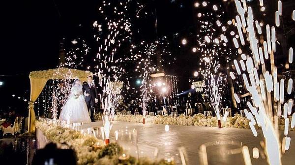 Tiệc cưới xa hoa tại khách sạn 5 sao của Tuấn Tú - Phương Anh.