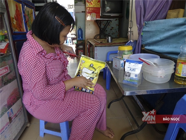 Nghề bán bánh bông lan đã tạo nên bước ngoặttrong cuộc sống chị Kiều.