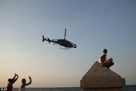 Vin Diesel chia sẻ hình ảnh nóng hổi từ phim trường 'Fast & Furious 8' tại Cuba
