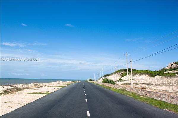 Đường biển chạy qua Hồ Tràm, Hồ Cốc - Bà Rịa Vũng Tàu. (Ảnh: Phạm Quang Tuân)