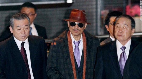 Ông trùm Kenichi Shinodo băng đảng khét tiếng Yamaguchi ra tù năm 2011.