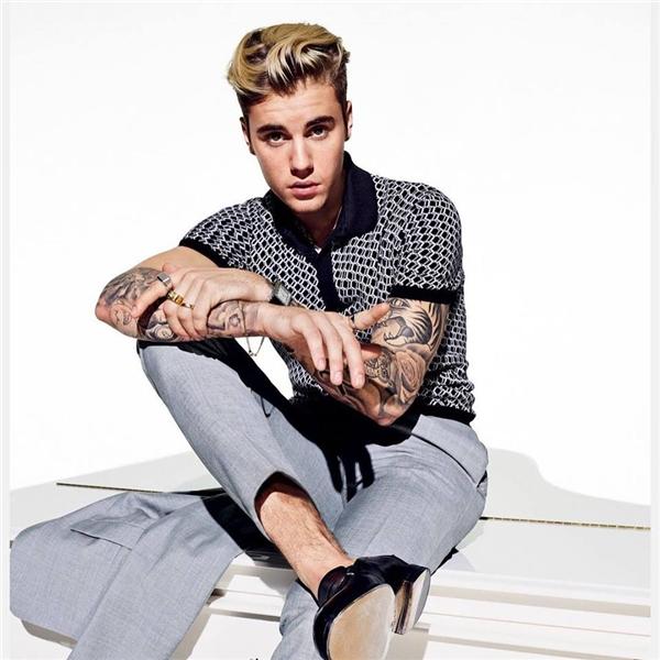 Kiểu tóc undercut chải phồng ở phần mái của Justin đã từng khiến hàng triệu cô gái thổn thức.