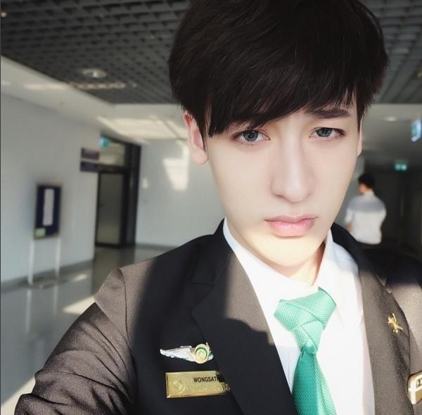 Wongsathorn Varachartkul hiện đang làm công việc của mộttiếp viên hàng không.