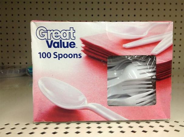 Lại một trường hợp lừa đảo trắng trợn nữa, lần này là với muỗng và nĩa. (Ảnh: K_Mapp)