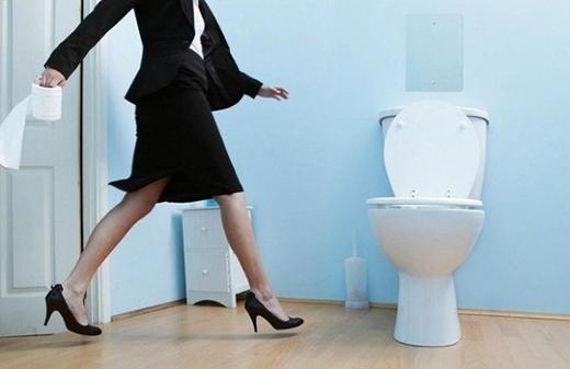 Bạn nên tập thói quen đi vệ sinh theo giờ. (Ảnh: Internet)