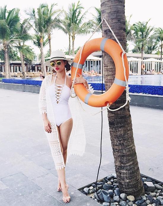 7 món đồ bất li thân của phái đẹp cho những chuyến đi biển ngày hè