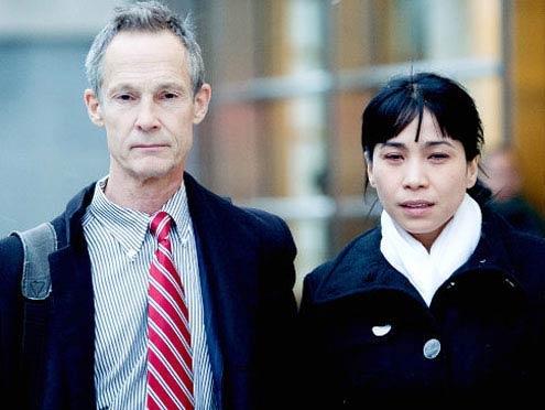 """Vào tháng 12/2010 xuất hiện tại Tòa án liên bang Brooklyn, Lý Hương đã phân trần, cô mang con gái ruột về Việt Nam vào năm 2005 là nhằm trốn tránh khỏi cuộc hôn nhân """"địa ngục"""". - Tin sao Viet - Tin tuc sao Viet - Scandal sao Viet - Tin tuc cua Sao - Tin cua Sao"""