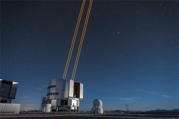 Ngôi sao nhân tạo đầu tiên trong lịch sử được tạo nên nhờ tia laser