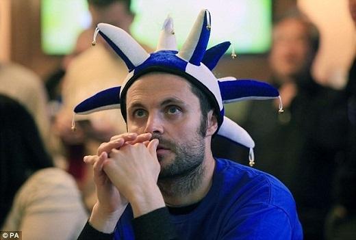 Cổ động viên Leicester đã trải qua đủ cung bậc cảm xúc dù đêm nay không phải trận đấu của đội nhà.