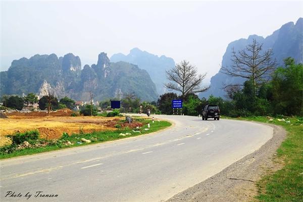 Con đường tới bến Thung Nai cũng đẹp tới nao lòng. (Ảnh: Internet)