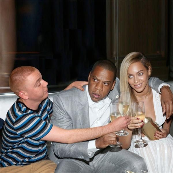 """Oatrick Thorendahl """"tiệc tùng"""" cùng với gia đình Beyonce."""