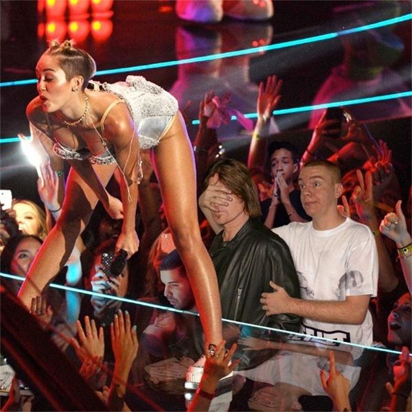 Miley Cirus sẽ nói gì khi nhìn thấy bức ảnh này nhỉ?