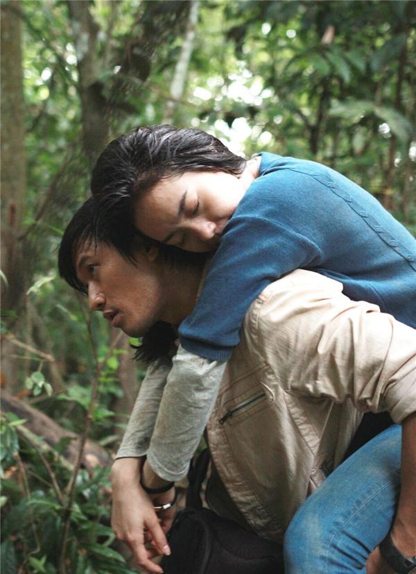 """Trả lời nghi vấn tình cảm với diễn viên """"đàn anh"""", Minh Hằngkhéo léocho biết: """"Tôi yêu Quý Bình bằng tình yêu mãnh liệt của Linh dành cho Huy (tên nhân vật trong phim Bao giờ có yêu nhau), bởi anh là mẫu đàn ông lítưởng mà bất cứ cô gái nào khi yêu đều mong muốn.Ngoài đời, tôi coi Quý Bình là một người anh, đồng nghiệp thân thiết"""". - Tin sao Viet - Tin tuc sao Viet - Scandal sao Viet - Tin tuc cua Sao - Tin cua Sao"""