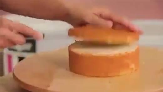 Chiêm ngưỡng bánh kem hamburger vừa ngon miệng lạ mắt