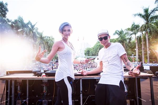 """Cô đã """"cháy"""" hết mình cùng khán giả Sài Gòn trong một sự kiện nhạc EDM diễn ra tại công viên Đầm Sen mới đây. - Tin sao Viet - Tin tuc sao Viet - Scandal sao Viet - Tin tuc cua Sao - Tin cua Sao"""