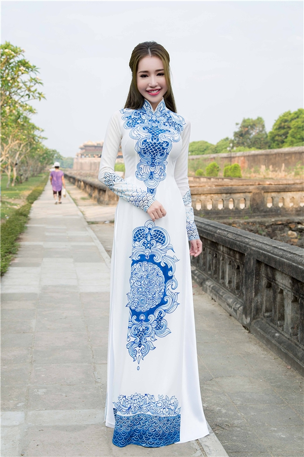 Sốc trước gương mặt sưng phù khác lạ của Elly Trần - Tin sao Viet - Tin tuc sao Viet - Scandal sao Viet - Tin tuc cua Sao - Tin cua Sao