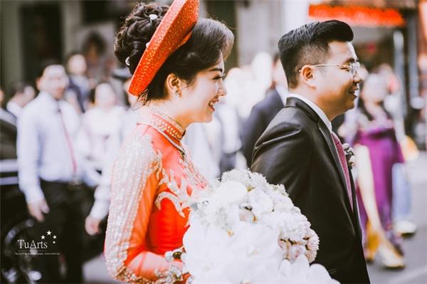 Hình ảnh rạng rỡ của cặp đôi trong lễ cưới của mình.