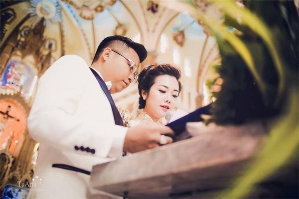 Bị chê lãng phí, hào nhoáng bên ngoài, cô dâu trong đám cưới khủng ở Nam Định nói gì?