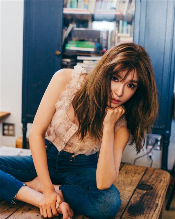 Jessica tung teaser, Tiffany liền phản pháo với loạt ảnh album mới